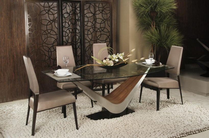 Dining room tables, chairs & buffets