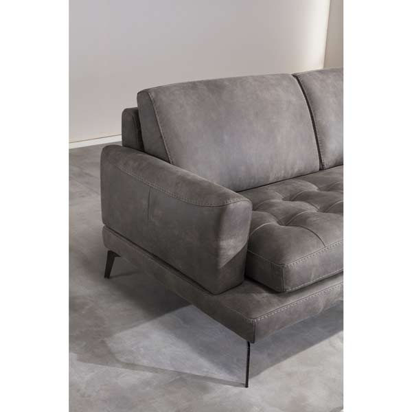L-Shaped Sectional with Chaise Lounge #545