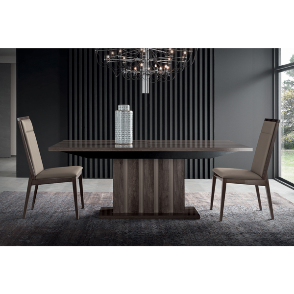 Elegant Beautiful Dining Table Made in Italy Expandable Top